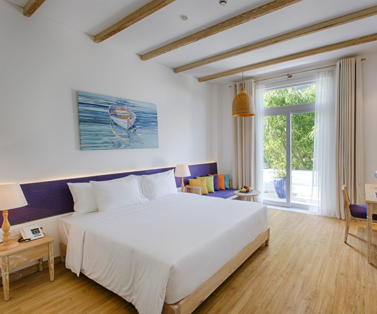 chup anh noi that 1200x1000 - Hotel & Resorts